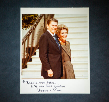 Signed White House photograph of President Ronald Reagan and Nancy Reagan, inscribed by both to the CEO of Standard Oil of Indiana, John E. Swearingen and his wife, Bonnie Swearingen.